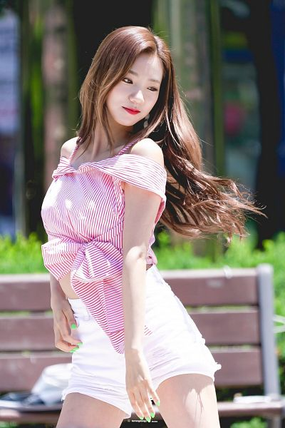 Tags: K-Pop, Cosmic Girls, Yeoreum (Cosmic Girls), Midriff, Bare Shoulders, Red Lips, Looking Away, Bare Legs, Red Shirt, Shorts, Striped, White Shorts