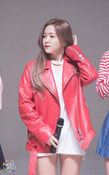 Tags: SM Town, K-Pop, Red Velvet, Yeri, Leather Jacket, Red Jacket, Red Outerwear, Android/iPhone Wallpaper, Live Performance