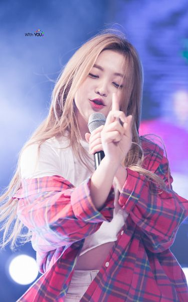 Tags: SM Town, K-Pop, Red Velvet, Yeri, Android/iPhone Wallpaper, Live Performance