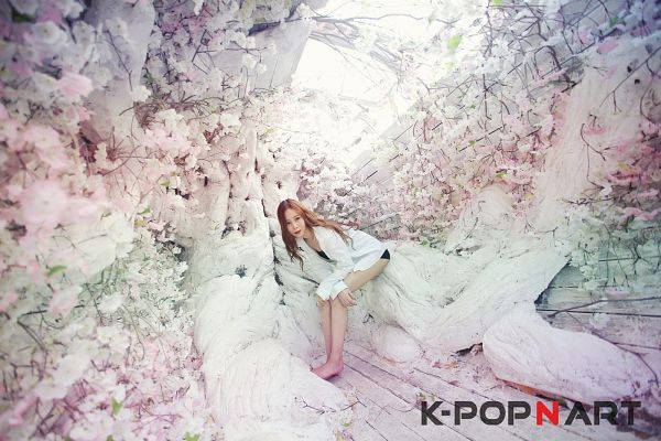 Tags: K-Pop, 4L, Yeseul, Plant, Tree, Outdoors, Full Body, Bare Legs, Barefoot, Black Shorts, Arm On Knee, Shorts