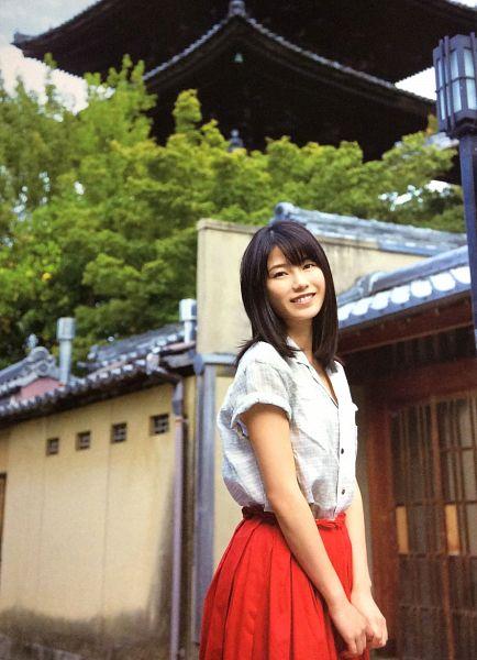 Tags: J-Pop, AKB48, Yokoyama Yui, Red Skirt, Outdoors, Android/iPhone Wallpaper
