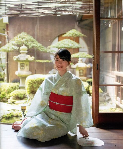 Tags: J-Pop, AKB48, Yokoyama Yui, Plant, Tree, Green Outfit, Hair Up, Sitting On Ground, Kimono, Barefoot, Fan, Traditional Clothes