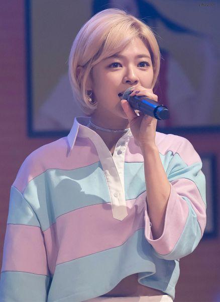 Tags: K-Pop, Twice, Yoo Jeongyeon, Android/iPhone Wallpaper