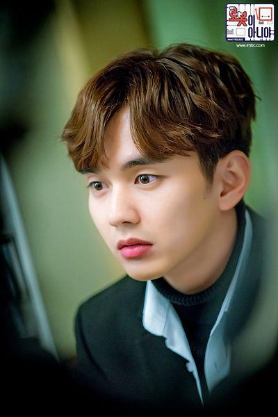 Tags: K-Drama, Yoo Seung-ho, Korean Text, Serious, Text: Series Name, Sweater, Mole, Facial Mark, I'm Not a Robot