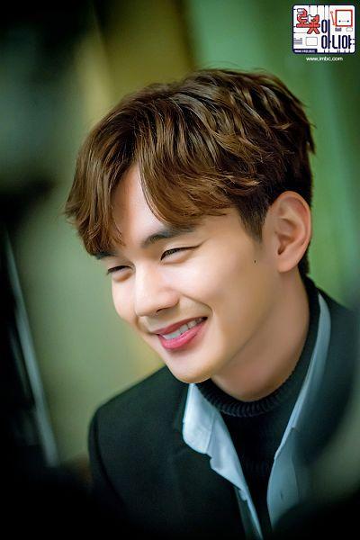 Tags: K-Drama, Yoo Seung-ho, Text: Series Name, Mole, Korean Text, Facial Mark, Sweater, I'm Not a Robot
