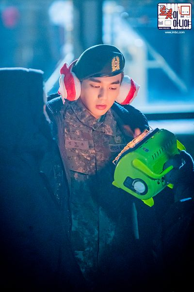 Tags: K-Drama, Yoo Seung-ho, Looking Down, Camouflage Print, Headdress, Uniform, Earmuffs, Night, Hat, Text: Series Name, Korean Text, I'm Not a Robot