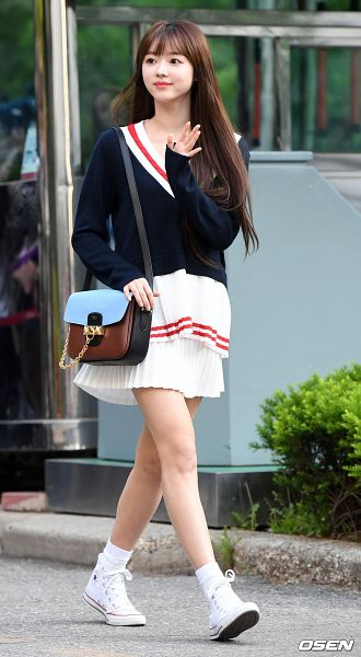 Tags: K-Pop, Oh My Girl, Yooa, Sweater, Walking, Road, Bag, Looking Away, Skirt, White Skirt, Outdoors, Shoes