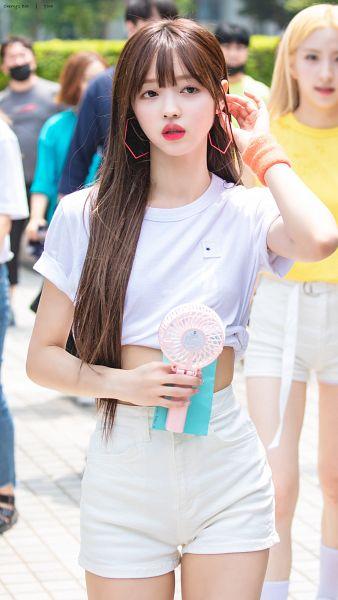 Tags: K-Pop, Oh My Girl, Yooa, Crop Top, Midriff, Bracelet, Holding Object, Fan, Looking Away, White Shorts, Shorts