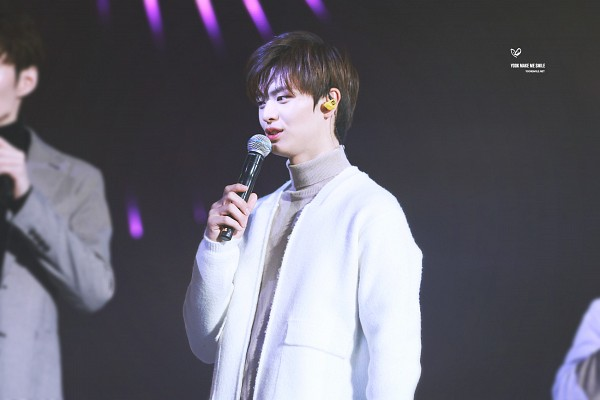 Tags: K-Pop, BtoB, Yook Sung-jae, Live Performance, Wallpaper