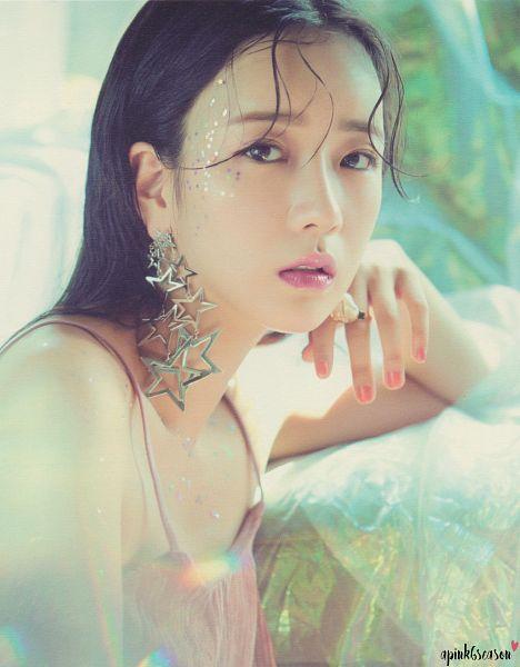 Tags: K-Pop, Apink, Yoon Bo-mi, Sleeveless Shirt, Ring, Wet Hair, Nail Polish, Sleeveless, Bare Shoulders, Pink Outfit, Pink Dress, Make Up