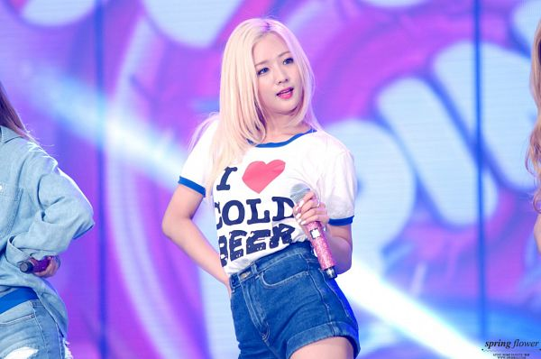 Tags: K-Pop, Apink, Yoon Bo-mi