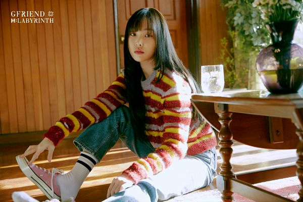Tags: K-Pop, G-friend, Yuju, Striped, Table, Glass (Cup), Sweater, Striped Outerwear, Cup, Vase, Serious, Sneakers