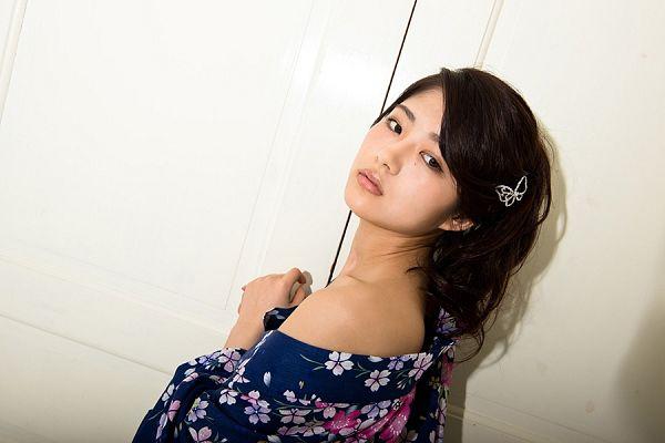 Tags: J-Pop, Nogizaka46, Yumi Wakatsuki, Suggestive