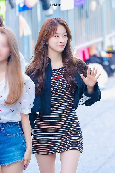 Tags: K-Pop, Rocket Punch, Yunkyoung, Striped, Looking Away, Wave, Black Outfit, Bare Legs, Black Jacket, Striped Dress, Black Dress, Backdraft