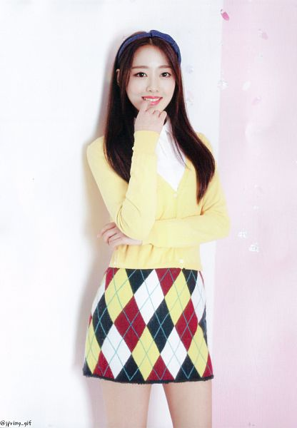 Tags: K-Pop, LOOΠΔ, New, Yves, Checkered, Arms Up, Checkered Skirt, Crossed Arms, Multi-colored Skirt, Hairband, Finger To Lips, Yellow Shirt