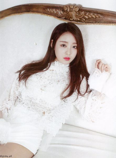 Tags: K-Pop, LOOΠΔ, New, Yves, White Outfit, Laying On Back, Laying Down, Shorts, White Shorts, Scan