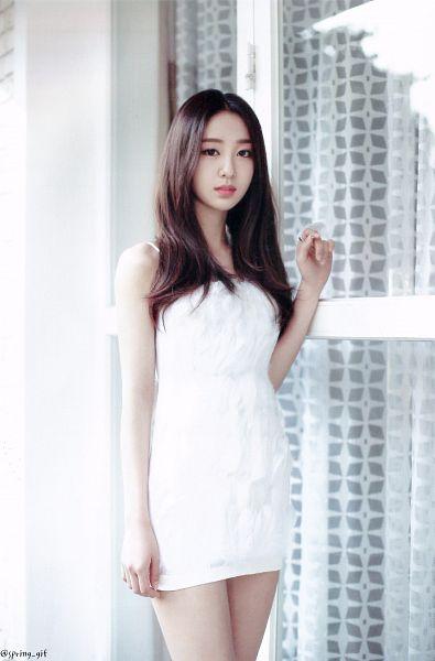 Tags: K-Pop, LOOΠΔ, New, Yves, Short Dress, White Outfit, Bare Shoulders, White Dress, Sleeveless, Sleeveless Dress, Scan