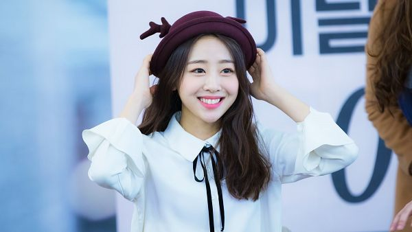 Tags: K-Pop, LOOΠΔ, Yves, Wallpaper, Fansigning Event