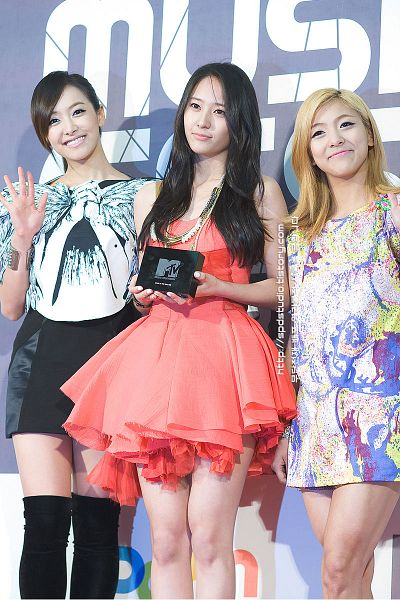 Tags: K-Pop, f(x), Luna, Victoria Song, Krystal Jung