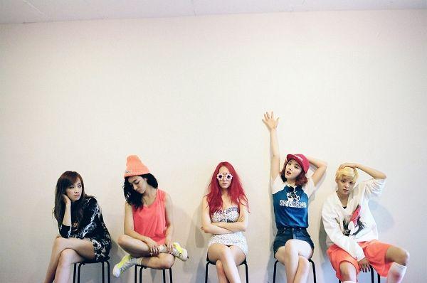 Tags: SM Town, K-Pop, f(x), Sulli, Krystal Jung, Luna, Amber Liu, Victoria Song, Quintet, Group, Five Girls