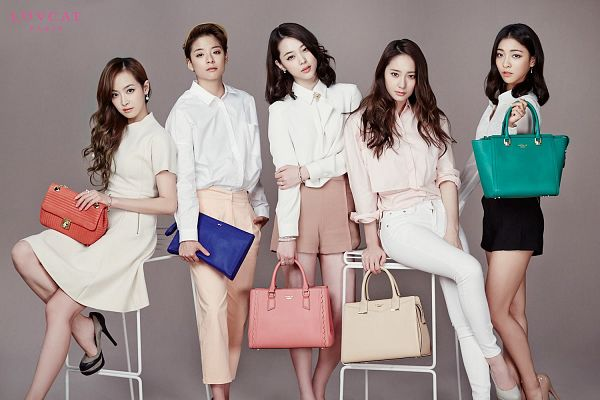 Tags: SM Town, K-Pop, f(x), Victoria Song, Sulli, Krystal Jung, Luna, Amber Liu, Five Girls, Quintet, Group, Wallpaper