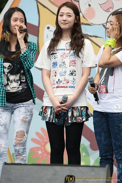 Tags: K-Pop, f(x), Krystal Jung, Victoria Song, Sulli