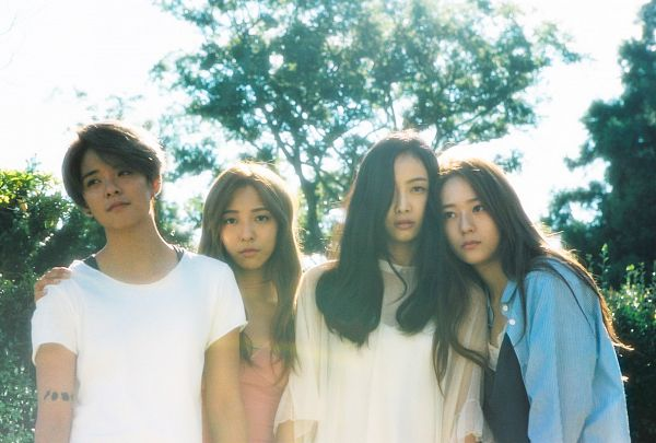 Tags: SM Town, K-Pop, f(x), Krystal Jung, Amber Liu, Luna, Victoria Song, Open Shirt, Arm Around Shoulder, Quartet, Four Girls, Looking Away