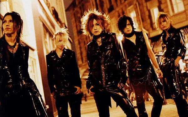 Tags: J-Pop, the GazettE, Kai (the GazettE), Reita (the GazettE), Aoi (the GazettE), Uruha (the GazettE), Ruki (the GazettE), Blonde Hair, Black Outerwear, Medium Hair, From Below, Sleeveless