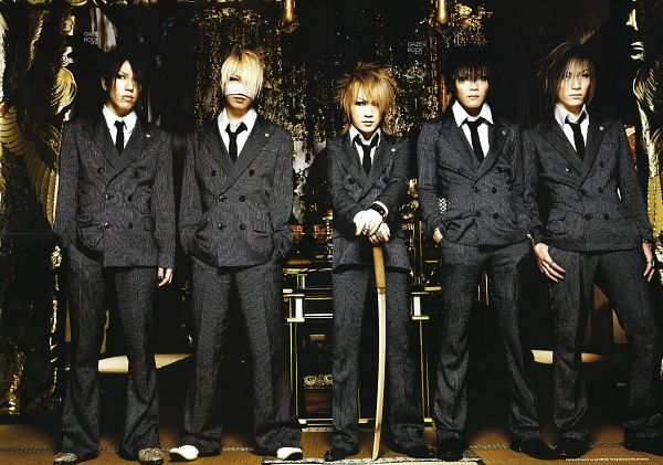 Tags: J-Pop, the GazettE, Uruha (the GazettE), Ruki (the GazettE), Kai (the GazettE), Reita (the GazettE), Aoi (the GazettE), Full Body, Five Males, Full Group, Matching Outfit, Quintet