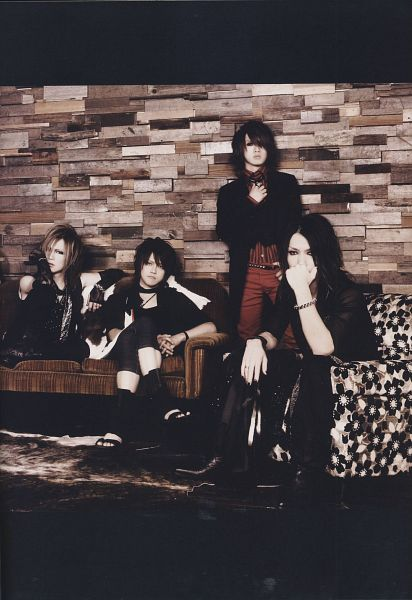 Tags: J-Pop, the GazettE, Aoi (the GazettE), Uruha (the GazettE), Ruki (the GazettE), Kai (the GazettE), Reita (the GazettE), Couch, Sitting On Couch, Black Footwear, Chair, Black Pants