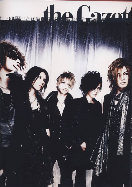 Tags: J-Pop, the GazettE, Kai (the GazettE), Reita (the GazettE), Aoi (the GazettE), Uruha (the GazettE), Ruki (the GazettE), Five Males, Medium Hair, Quintet, Group, Dark Background